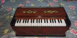 Sagwan Wood Piano